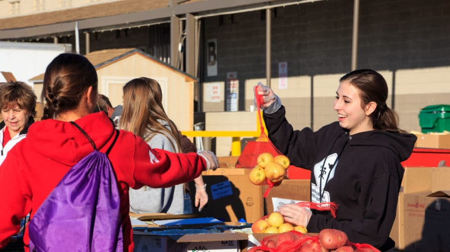 Mobile Pantry – Open To The Public 8