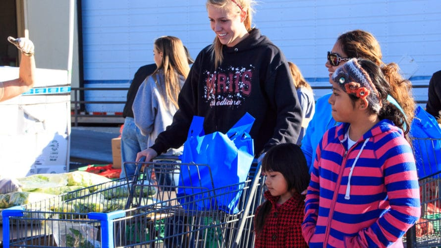 Mobile Pantry – Open To The Public 9