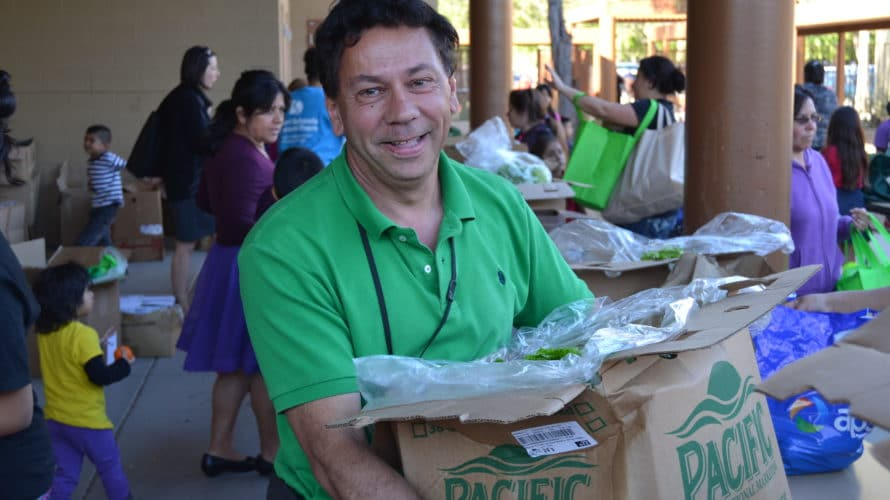 Mobile Pantry – Open To The Public 12